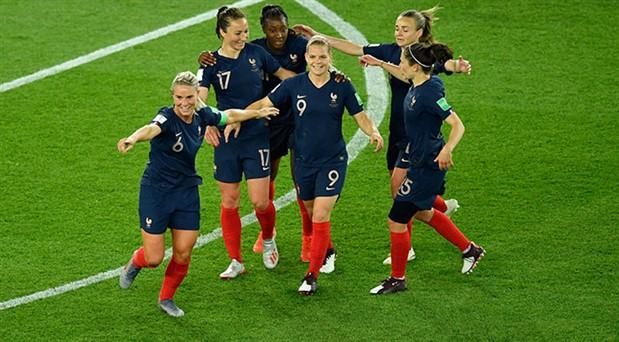 Kadınlar Dünya Kupası'nda grup aşaması tamamlandı: Favoriler fire vermedi