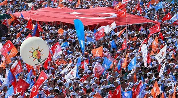 İstanbul hezimeti sonrası AKP'de istifa kararı
