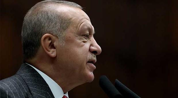 Erdoğan'a iki şapka fazla geldi