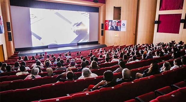 Sinemaya ilgi azaldı tiyatro yükselişte