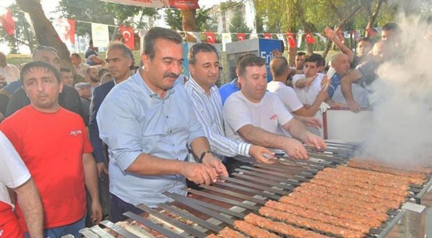 23 Haziran zaferi, Adana'da mangal partisi ile kutlandı