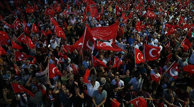 AKP'nin 'çalıştırmama' hamlesine karşı yol arayışı: CHP kuşatmayı  dayanışma ile aşacak