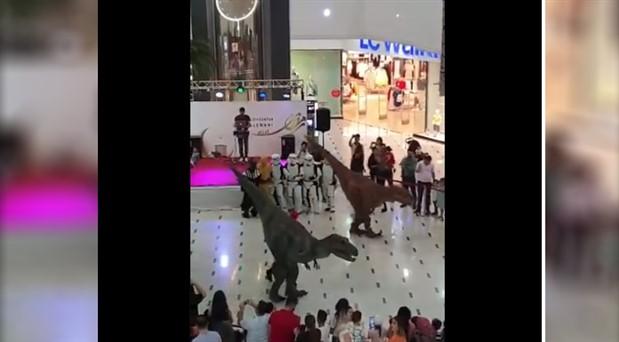 Halay çeken dinozorlar paylaşım rekoru kırdı