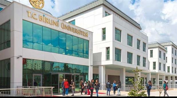 Vakıf üniversiteleri raporu açıklandı: Öğrenci başına 1 kitap