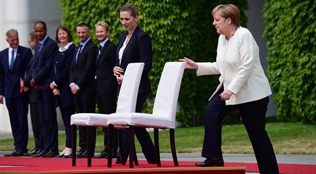 Merkel'in titreme krizlerine sandalyeli önlem