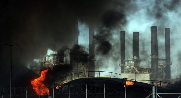 Moskova'da elektrik santralinde yangın