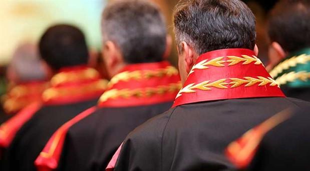9 hâkim ve savcı görevden uzaklaştırıldı