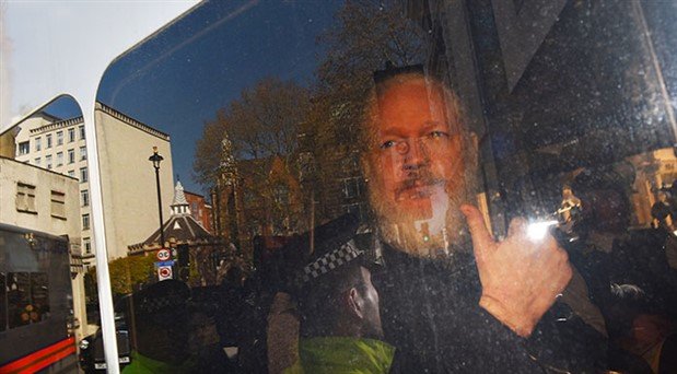 İngiltere'den Assange açıklaması