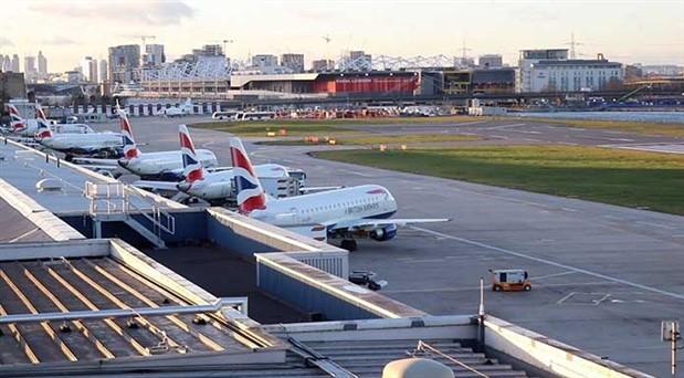Dalaman uçağında olay çıkaran yolcuya 85 bin sterlin ceza ve ömür boyu uçuş yasağı