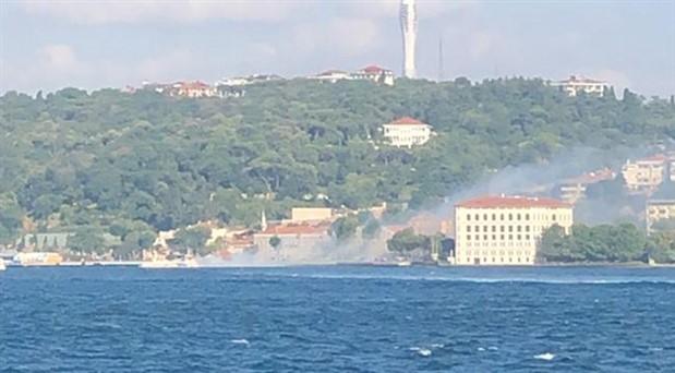 İstanbul'da tekne yangını