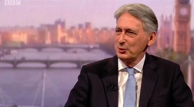 İngiltere Maliye Bakanı Hammond, istifa planını açıkladı