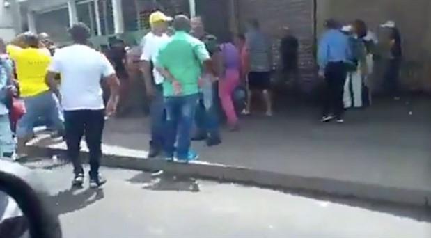Venezuela'da otobüs durağına silahlı saldırı: 7 kişi hayatını kaybetti