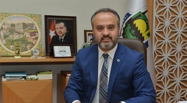 '30 Ağustos halkı ilgilendiren bir bayram değil' diyen AKP'li belediye başkanından geri adım