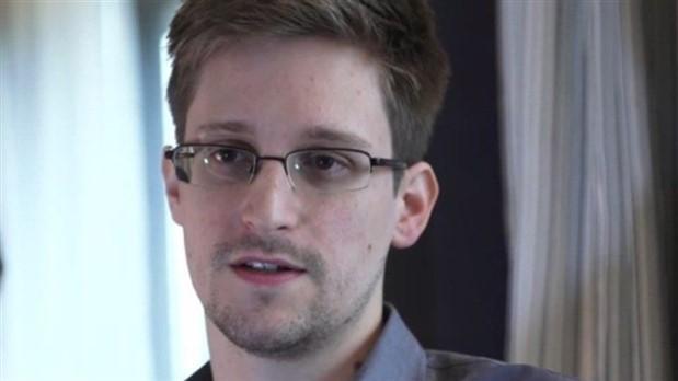 Snowden: Facebook, Instagram ve YouTube sizi gizlice izliyor