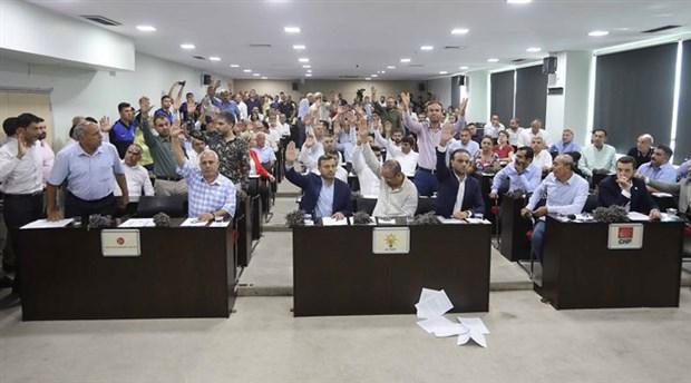 Adana'da bayram öncesi işçi maaşlarına AKP ve MHP engeli