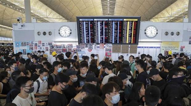 Hong Kong Havalimanı'nda uçuşlar iptal