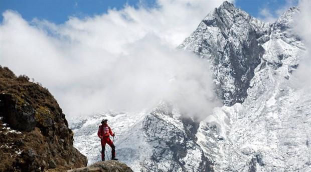 Dağcılara Everest için 'tecrübe' şartı