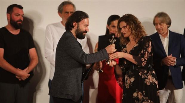 Alican Yücesoy, Karadağ'dan ödülle döndü