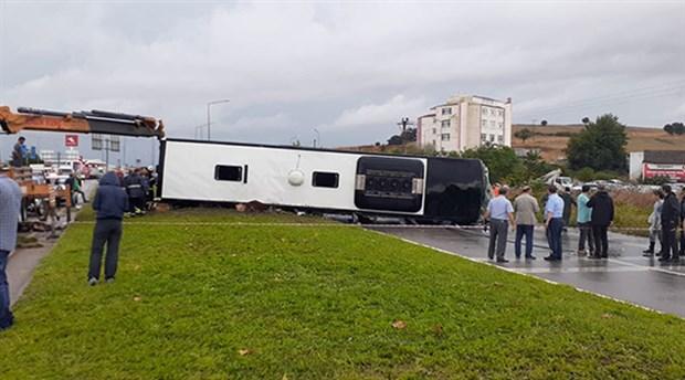 Çanakkale'de yolcu otobüsü devrildi: 1 ölü, 28 yaralı