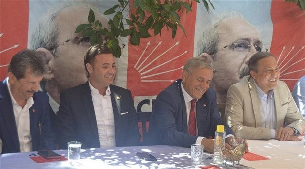 CHP Genel Başkan Yardımcısı Torun'dan Edremit Kitap Fuarı'na ziyaret