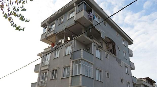Sancaktepe'de 6 katlı bir binada patlama meydana geldi