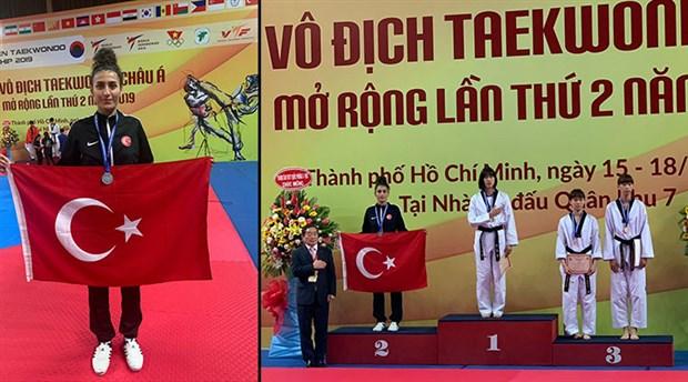Tekvando Şampiyonası'nda Hatice Kübra'dan gümüş madalya