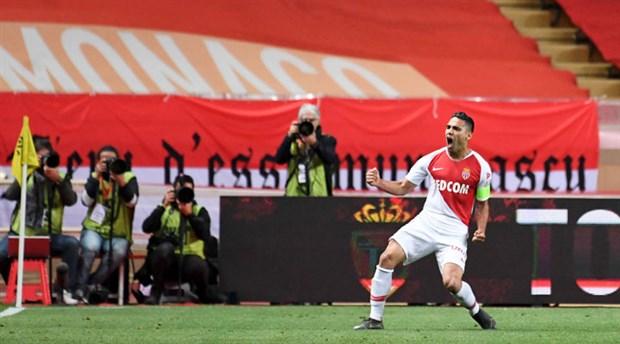 Galatasaray, Falcao transferini bugün açıklayabilir