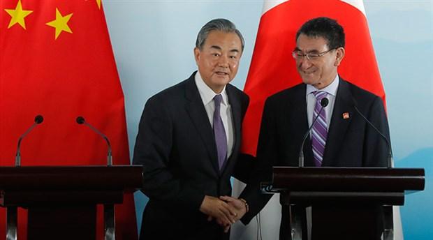 """Japonya Dışişleri Bakanı'ndan Hong Kong yorumu: """"Diyalog yoluyla çözüm umuyorum"""""""