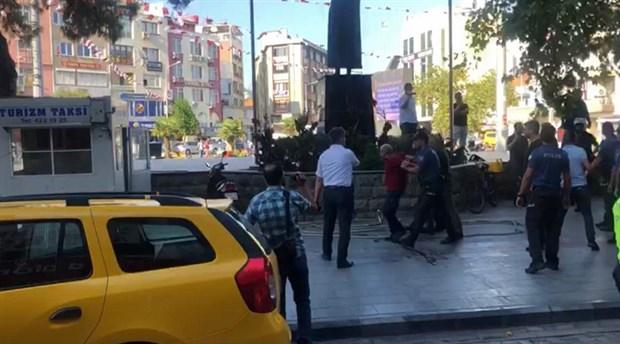 Burhaniye'de basın açıklamasına polis müdahalesi : 9 gözaltı