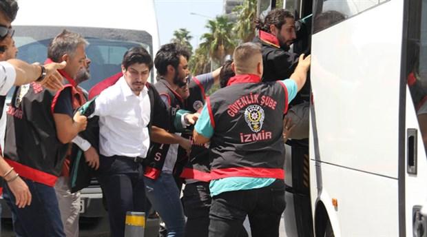 İzmir'deki kayyum eylemine polis saldırısı: 26 avukat gözaltına alındı