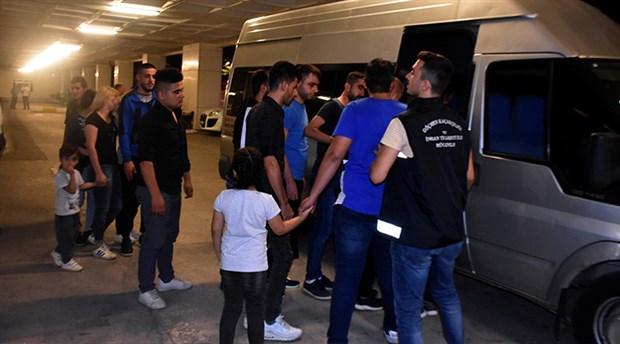 Okul servisiyle göçmen kaçakçılığı yapan şahıs gözaltına alındı
