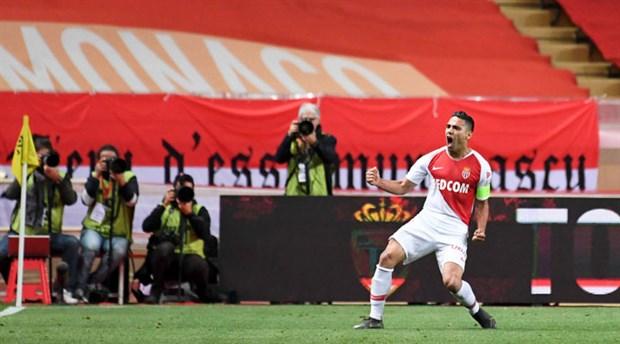 'Falcao için Valencia devreye girdi' iddiası