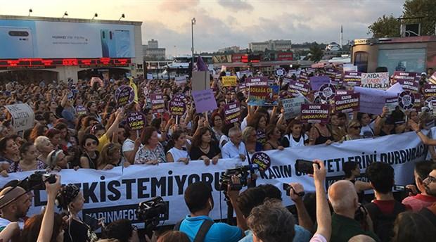 Kadınlar Kadıköy'de haykırdı: Ölmek istemiyoruz