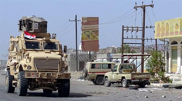 Monarşilerin kavgası Yemen'i vuruyor