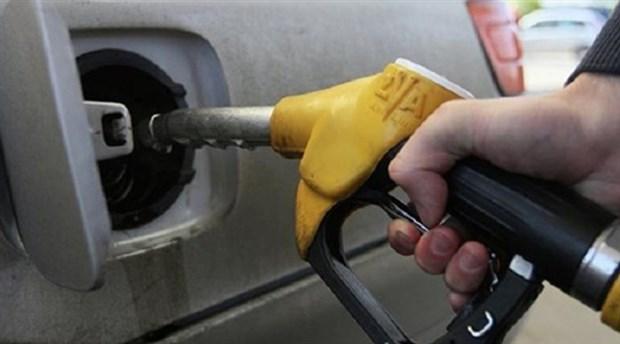 Benzin ve motorine yine zam!