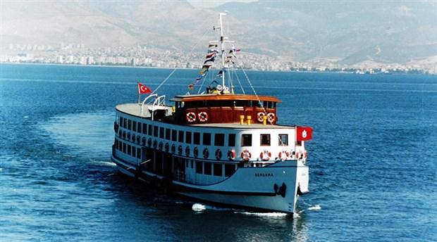 Bergama Vapuru İzmir Körfezi'nde