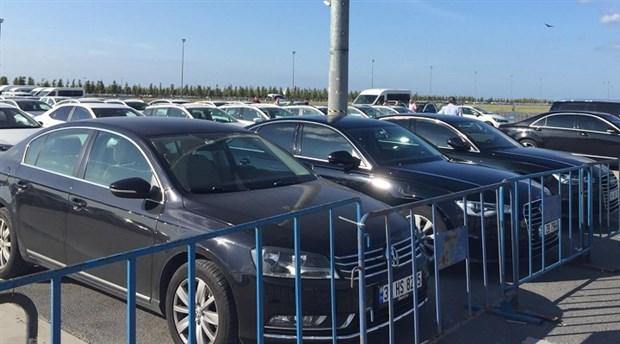 İsraf sergisinin 2. gününde lüks araçlar sergilendi: Saltanatın fotoğrafı