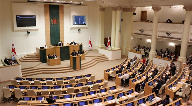 Gürcistan'da yeni hükümet güvenoyu aldı
