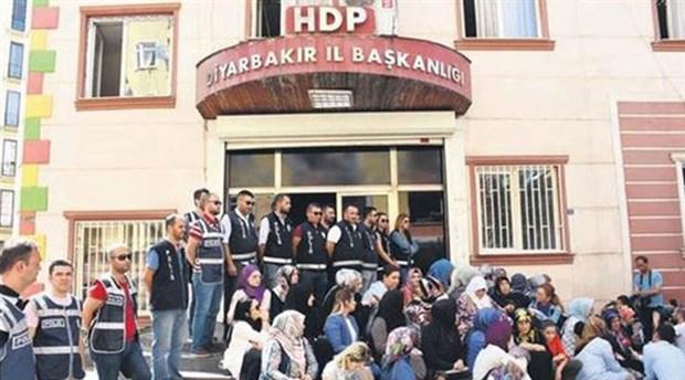 HDP'den Diyarbakır'da parti önünde yapılan eyleme ilişkin açıklama: Bizler bu filmleri çok izledik