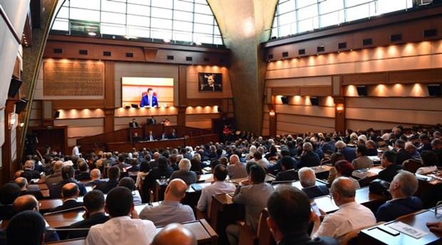 İBB Meclisi'nde yandaş vakıf ve dernekler tartışması