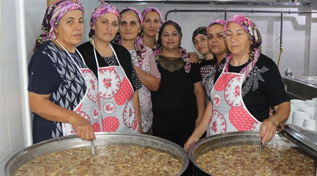 Alevi Kültür ve Cemevi Akhisar Şubesi'nde aşure buluşması