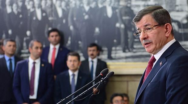 Davutoğlu'nun toplantısına 10 AKP'li vekil katıldı