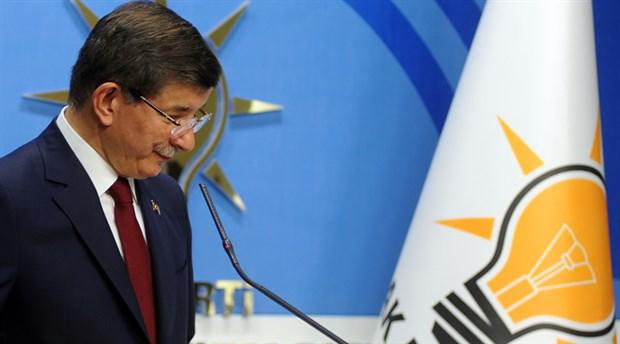 AKP'den Davutoğlu açıklaması: Kaybettiği koltuğun peşinde