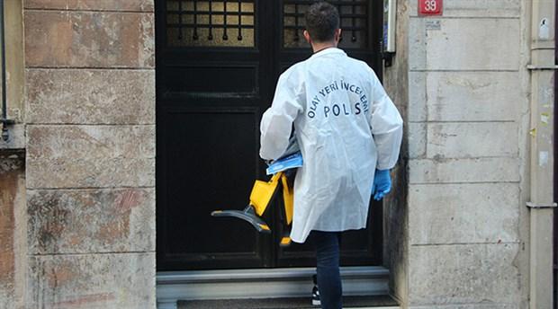 Beyoğlu'nda bir otelde kalan iki İngiliz turist odalarında ölü bulundu