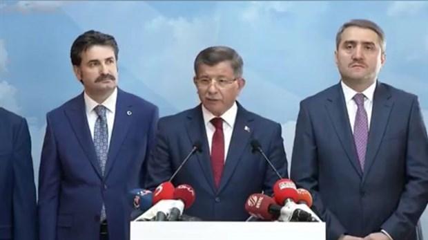 Davutoğlu AKP'den istifa etti