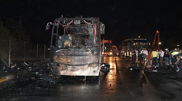 İzmir'de 37 kişinin yolculuk yaptığı otobüs alev alev yandı
