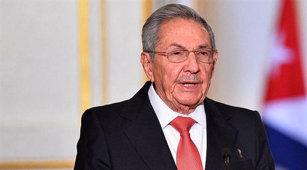 Twitter, Raul Castro'nun hesabını askıya aldı