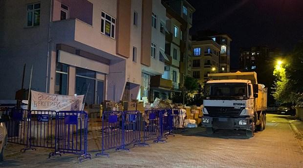 Kolonlarında çatlaklar oluşan bina boşaltıldı