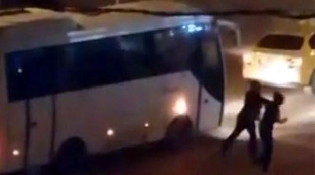 Bolu'da bir taksici, 'dikiz aynasını kırdı' diye kadına saldırdı