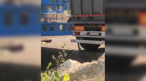 Denize atık boşaltılan kamyonun firmasına 18 bin lira ceza